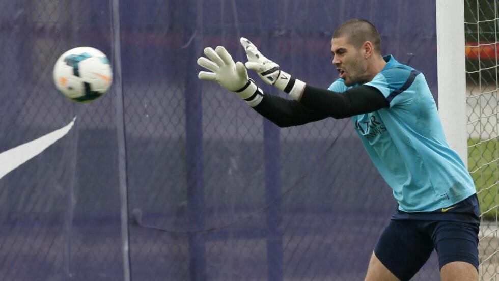 KLUBLØS:  Victor Valdes har ikke hatt en klubb siden han valgte å forlate Barcelona i sommer. Foto: NTB Scanpix