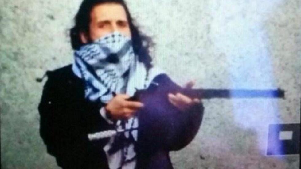 IS-BILDE: Sent onsdag kveld skal en Twitter-konto tilknyttet Den Islamske Stat (IS) publisert dette bildet av Ottawa-terroristen Michael Zehaf-Bibeau.
