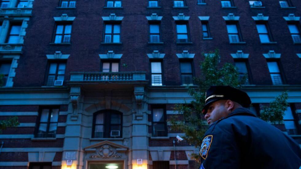 STENGT AV: Leiligheten til den ebolasmittede New York-legen i Harlem er nå stengt av. Foto:Bryan Thomas/Getty Images/AFP