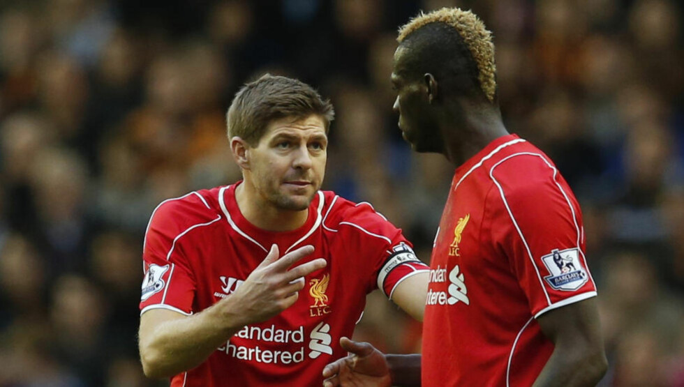- SÅNN MÅ DU GJØRE: Liverpool viste tidvis muskler mot Hull, men det endte med frustrerende 0-0 for Steven Gerrard og Mario Balotelli i ettermiddag. Foto: REUTERS / Phil Noble / NTB Scanpix