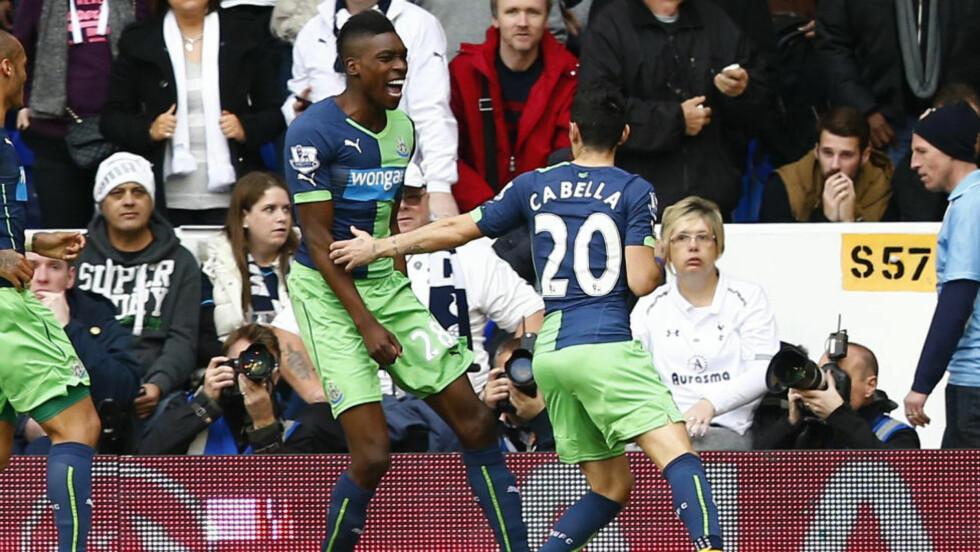 RASK SCORING: Sammy Ameobi ble byttet inn etter pausen, og brukte bare sju sekunder på å utlikne for Newcastle.Foto: REUTERS/Andrew Winning / NTB Scanpix