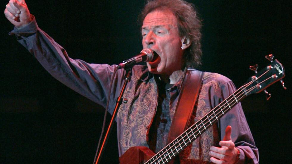 DØD: Cream-bassist Jack Bruce under en gjenforeningskonsert i Madison Square Garden i New York i 2005. Bruce døde lørdag, 71 år gammel. Foto: Brendan McDermid / Reuters / NTB scanpix