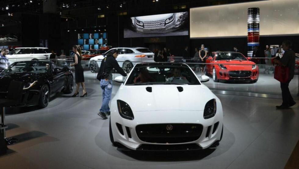EN VANE: Det er stor konkurranse mellom bilmessen i Los Angeles og Detroit om å være den største bilmessen i USA. Foto: NEWSPRESS