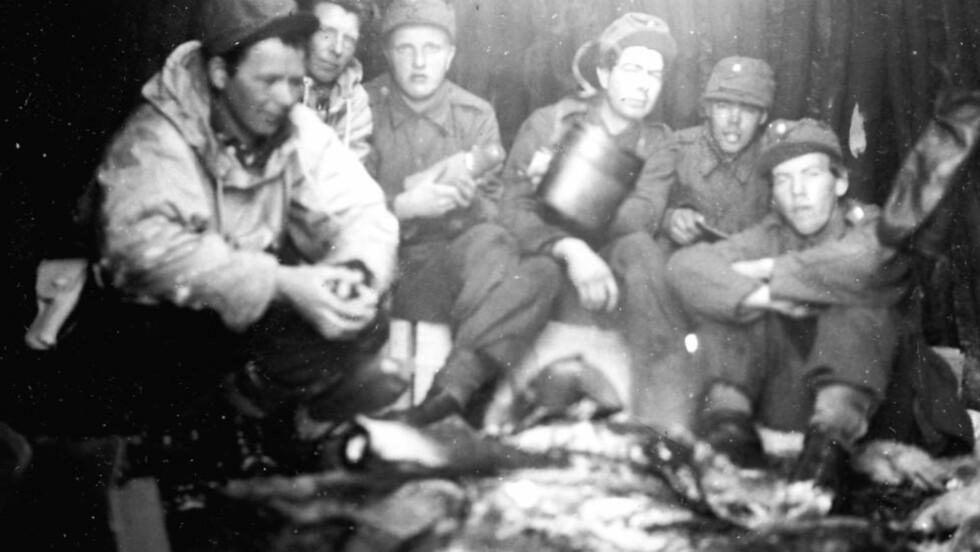 GLEMTE HELTER: I Nord-Norge var det under den andre verdenskrig bygt ut et omfattende nettverk av agenter som rapporterte jevnlig til England om den tyske aktiviteten i landsdelen. Ikke i noen deler av Norge ble de tyske hær-, fly- og flåtestyrkene bedre overvåket enn her. I en ny bok forteller Jan P. Pettersen om denne lite kjente historien.