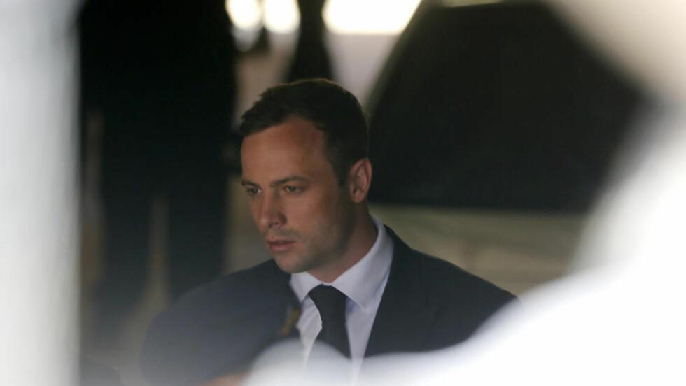 ANKER: Påtalemyndigheten i Sør-Afrika vil anke straffen mot Oscar Pistorius, melder BBC. Foto: REUTERS / Mike Hutchings / NTB Scanpix