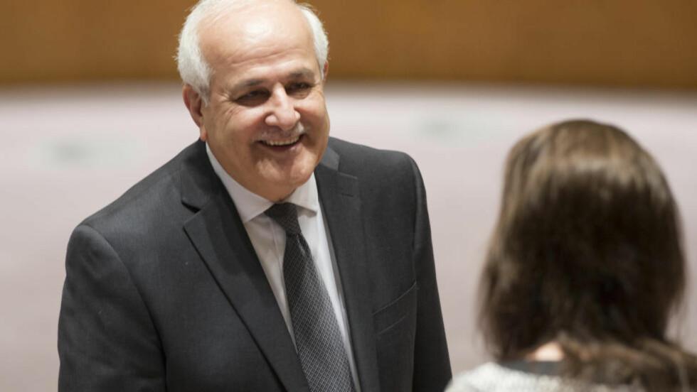 SKAL DISKUTERE: Anmodningen fra Jordan kommer like etter at den palestinske FN-utsendingen Riyad Mansour (avbildet) i et brev til FN ber om et møte for å diskutere situasjonen. Foto: Foto: AP / NTB scanpix