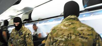 Passasjer forteller: Fly fra Molde til Gdansk stormet av væpnede og maskerte menn