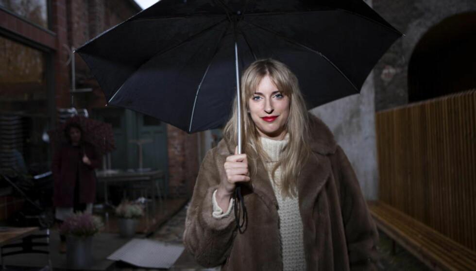 ETTERTRAKTET: Susanne Sundfør er en av Norges mest populære artister. Vi intervjuet henne om produsentrollen, feminisme, inspirasjonskilder og - skrekk og gru - kjæresterier. Foto: Anders Grønneberg