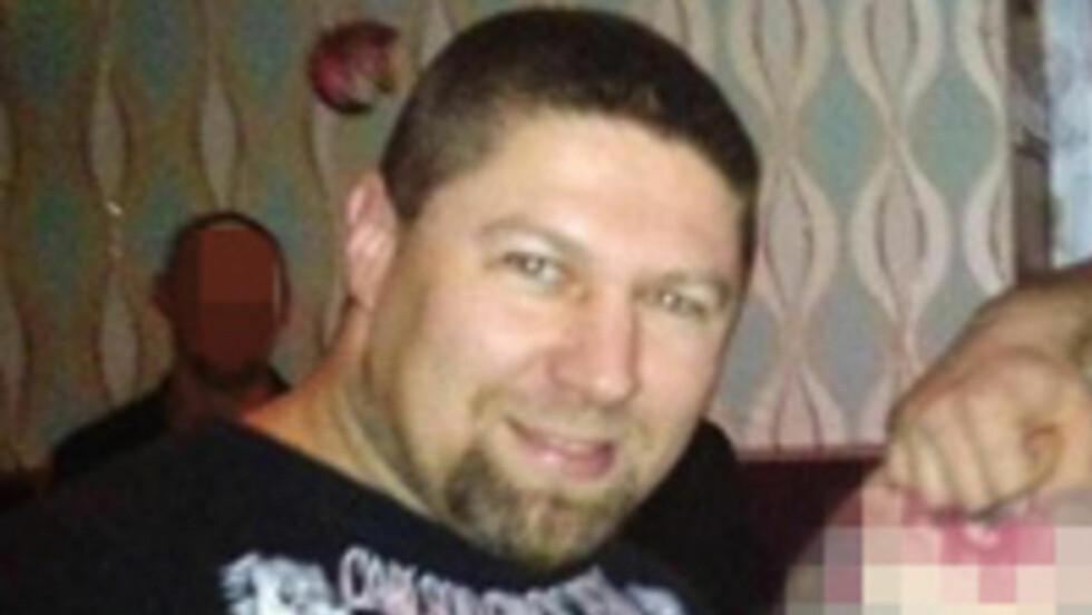 DRAPSMANN: Sven Rune Merhof (t.v.) er godt kjent for politiet på Østlandet etter at han skjøt og drepte torpedoen Eivind Johansen (30) i lokalene til mc-klubben Untouchables i Oslo i 2000, noe han i 2002 ble dømt til seks års fengsel for. 7. mars i år ble han arrestert av politispanere i Oslo med en kilo amfetamin i baksetet.
