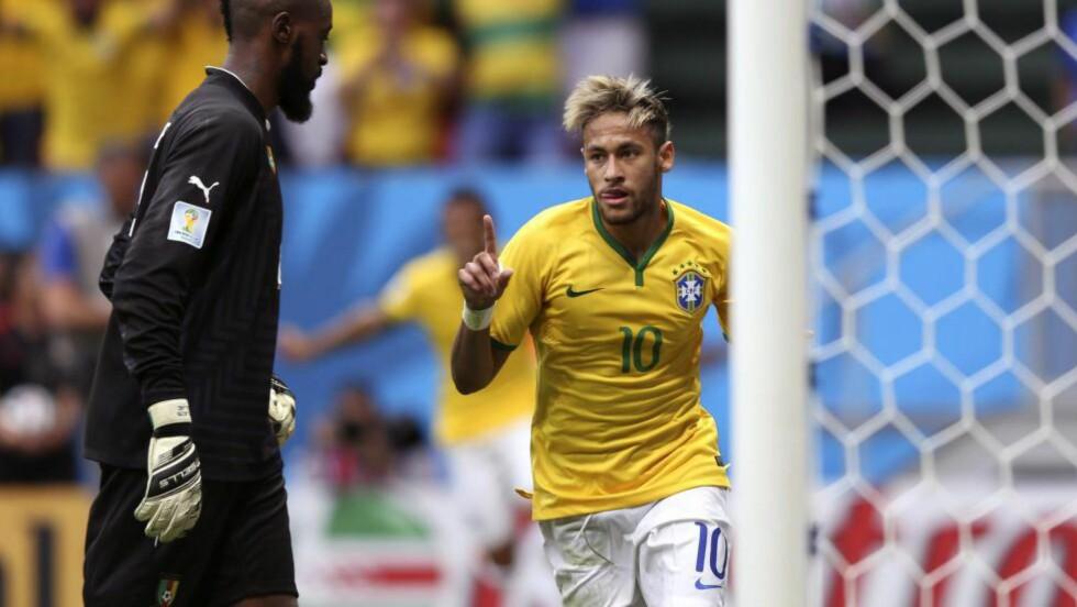 VMS TOPPSCORER: Etter to nettkjenninger i går troner Neymar øverst på VMs toppscorerliste, og passerte Rivaldo og Ronaldinho over tidenes mestscorende Brasil-spillere. Med 35 mål på 52 kamper har Neymar likevel langt igjen til legenden Pelé, med 77 mål på 92 kamper. Foto: EPA/MARCELO SAYAO