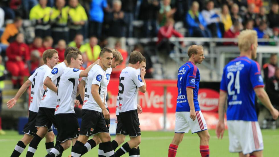KRANGLER OM RETTIGHETER: Norges Fotballforbund og NRK er ikke enige om hvor mye NRK kan vise fra Tippeliga-kampene. Foto: Alf Vidar Snæland / NTB scanpix