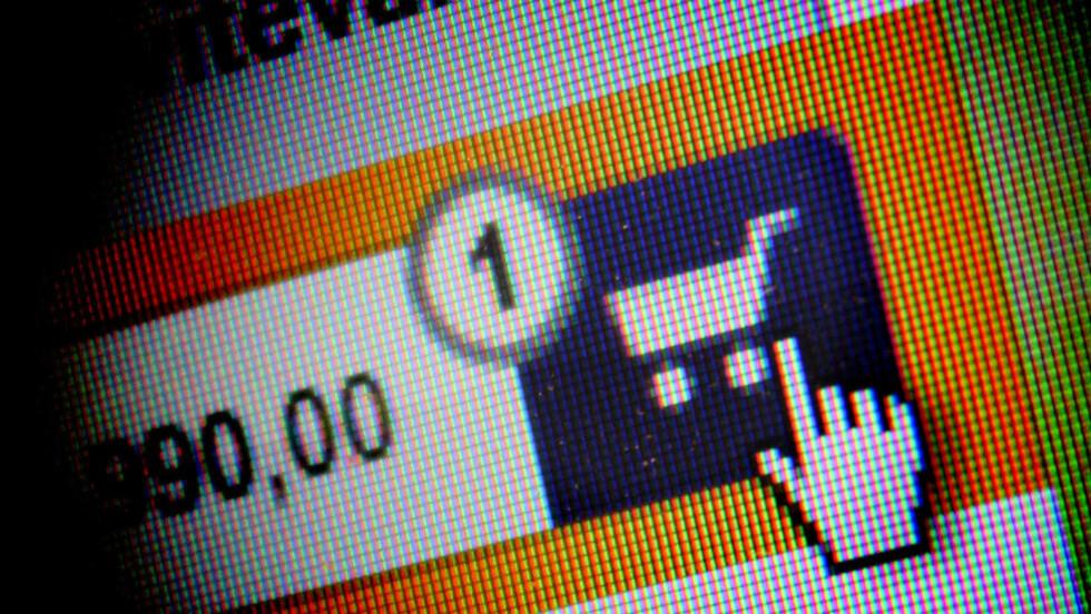 RISIKO: Fordi du ikke får prøve varen i butikken ved netthandel, har du 14 dagers rett til å angre på kjøpet. Nå blir loven som regulerer dette oppdatert.  Foto: OLE PETTER BAUGERØD STOKKE