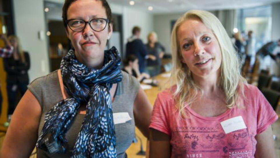 STREIKEKLARE:   Trude Håland og Kristin Gudim er lærere på Skedsmo og i Asker. De er veldig fornøyde med utfallet av avstemmingen i Utdanningsforbundet. Resultatet viser at 73 prosent av medlemmene ønsket å bryte forhandlingene og gå ut i streik. Foto: Endre Vellene / DBTV.