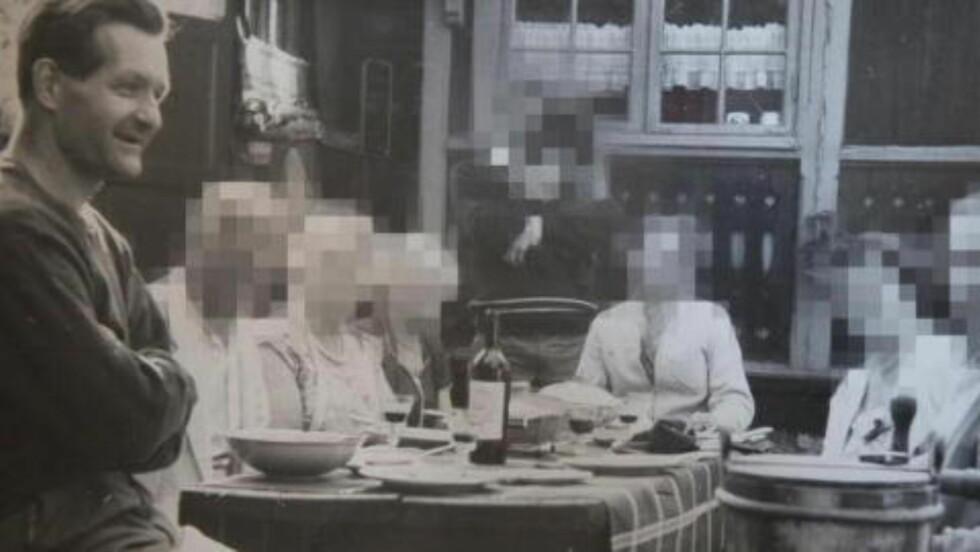 FUNNET DØD:  Pål Stener Johannessen (t.v.) her på et bilde fra 60-tallet, ble funnet død av hjemmehjelpen 13. mars i fjor, etter at han utløste trygghetsalarmen i sin leilighet. Hushjelpen var ifølge dommen i leliligheten, da Johannessen utløste alarmen. Foto: Privat