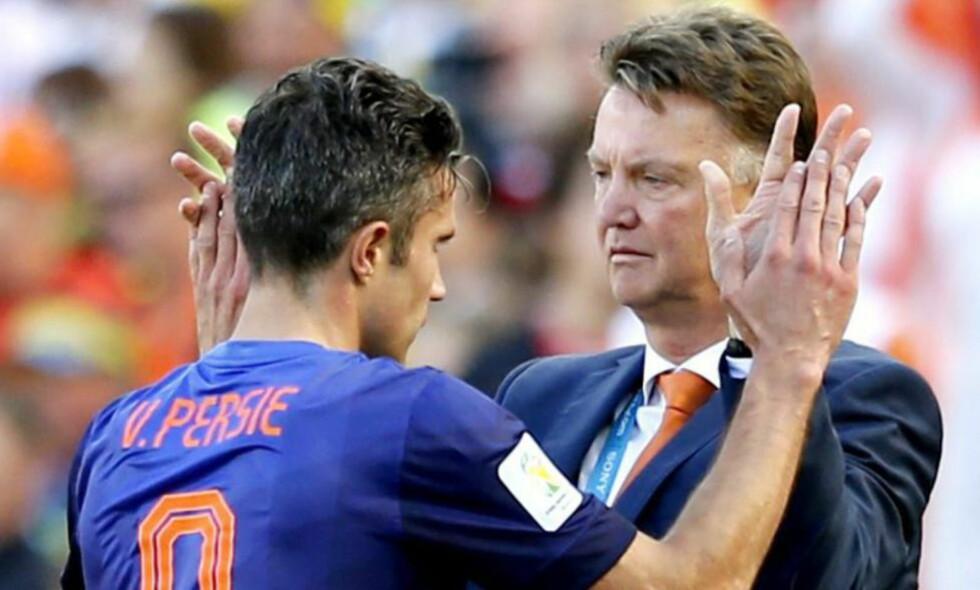 IKKE SOM FORVENTET: Louis van Gaal har lagt om Nederlands formasjon til VM. Det får han pepper for av tidligere verdensmester Jorge Vladano. Foto: EPA/ARMANDO BABANI/ NTB Scanpix