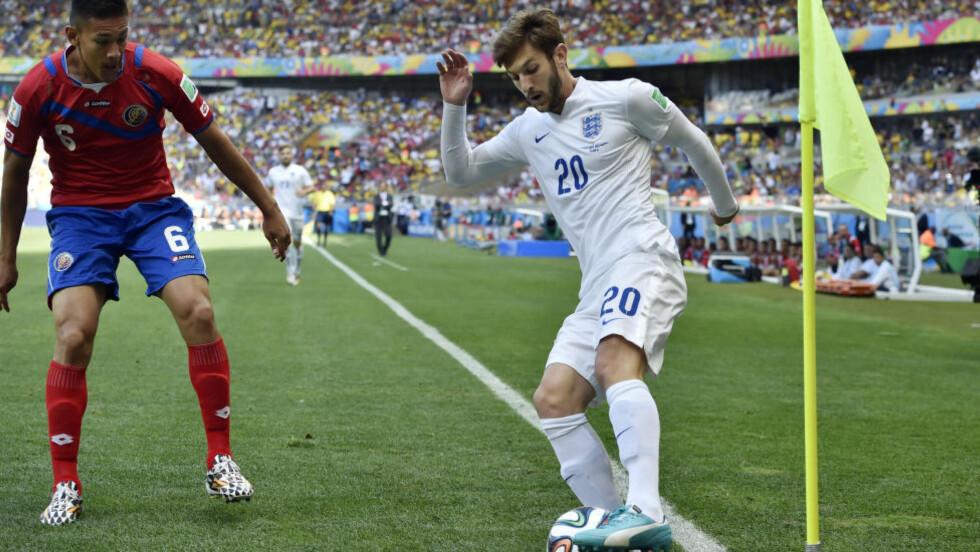 KLAR:  Den engelske landslagsspilleren Adam Lallana ble i dag presentert som ny Liverpool-spiller. Foto: AP Photo/Martin Meissner.
