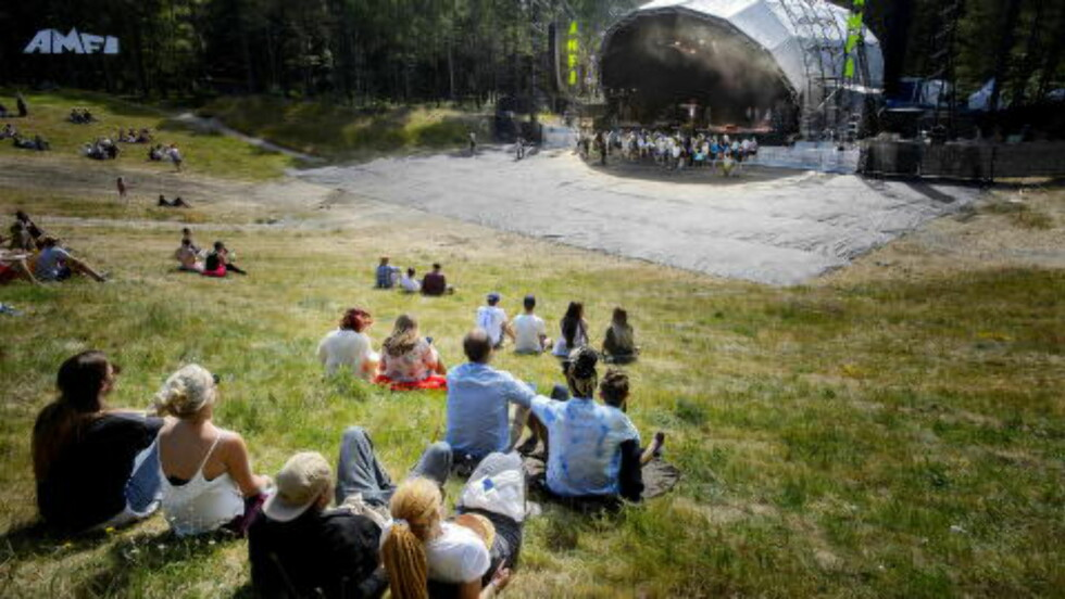 SMÅTT MED FOLK: Store P spilte store deler av konserten med lite folk foran scenen.  Foto: John T. Pedersen / Dagbladet