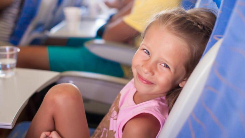 OM BORD PÅ FLY: Hva skjer om barnet må på do under take-off? Foto: Colourbox