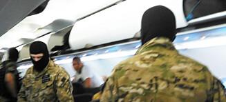 Væpnede menn stormet flyet fra Molde til Gdansk: Mannskapet varslet om «uregjerlig person» om bord