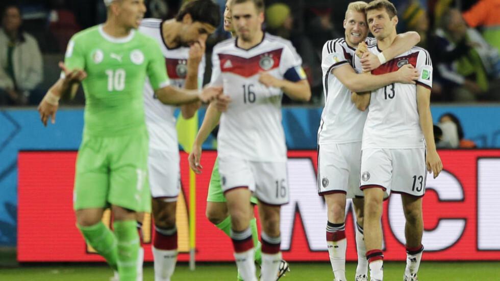 SUKSESS MED BALLHOLD:  Tyskland bruker flere pasninger enn noen andre i VM, og har hatt suksess  med det. Slik lever litt av den spanske tenkningen videre selv om Spania forlengst er utslått.  FOTO:AP/Matthias Schrader.