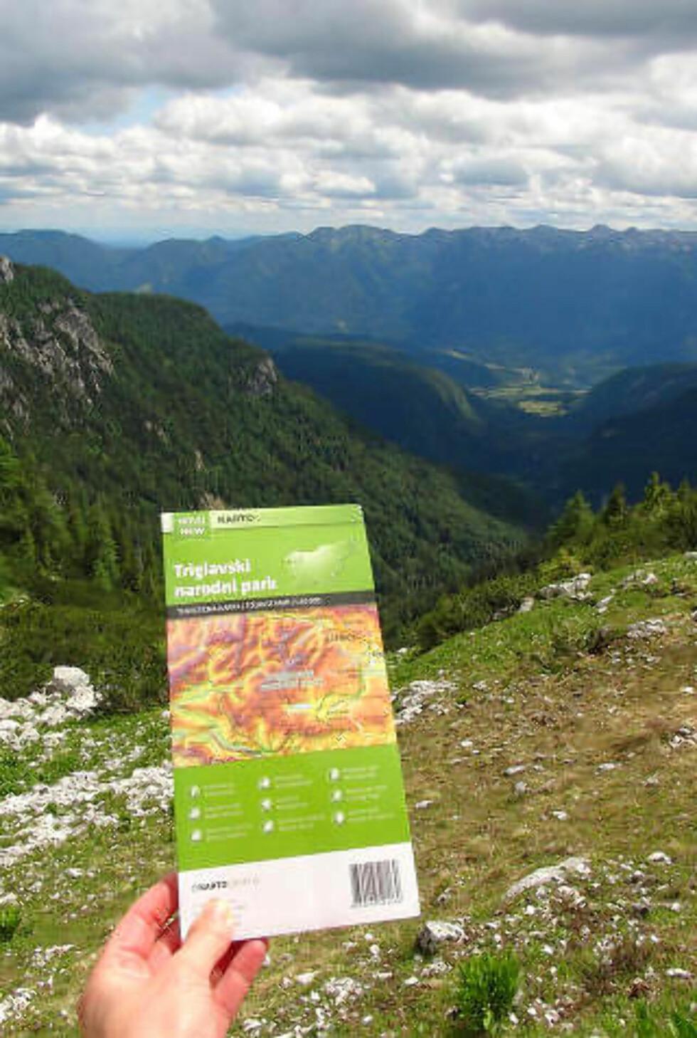 GODT MERKET: Det er rundt 10 000 kilometer med merkede løyper i Slovenia, mange av dem her i De julianske alper. Og alle områdene har gode kart. Foto: RONNY FRIMANN OG TORILD MOLAND