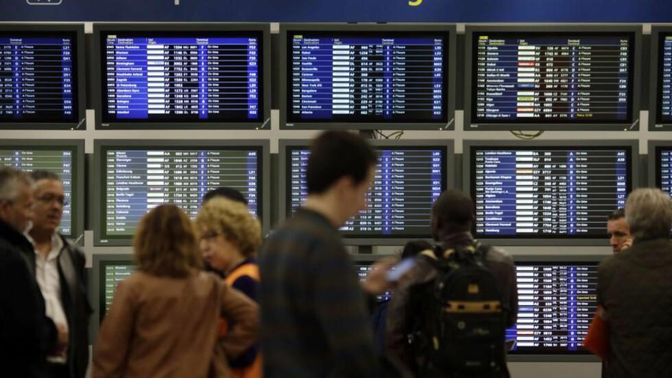 TERRORFRYKT: Franske myndigheter skjerper sikkerheten på landets flyplasser etter anmodning fra USA. Her Charles de-Gaulle-flyplassen i Paris. Foto: AFP / NTB scanpix