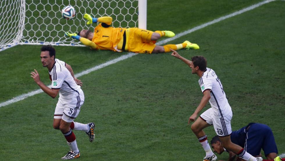 MATCHVINNER: Mats Hummels stanget inn Tysklands vinnermål allerede etter 12 minutter. Foto: REUTERS/Ricardo Moraes