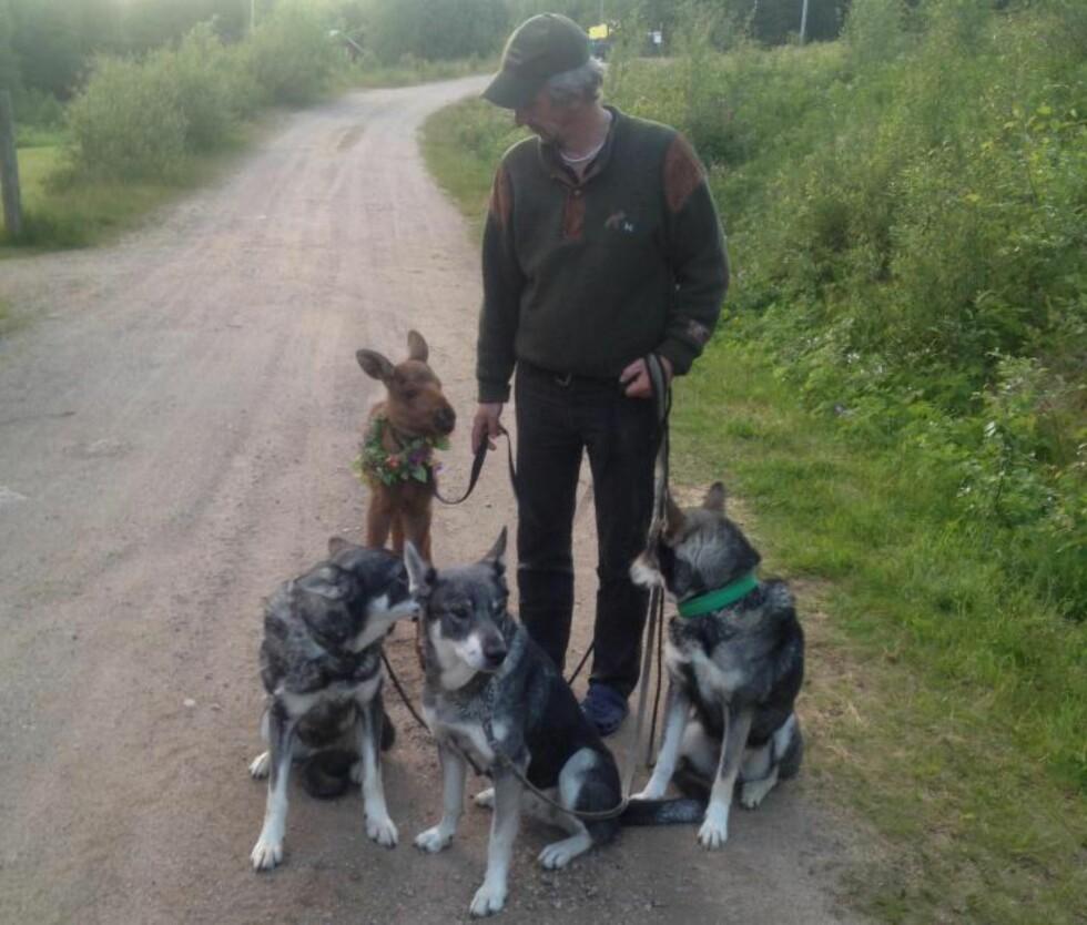 MED PÅ TUR:  Christian Kellgren går ofte tur med Ruben og hundene. Foto: Privat