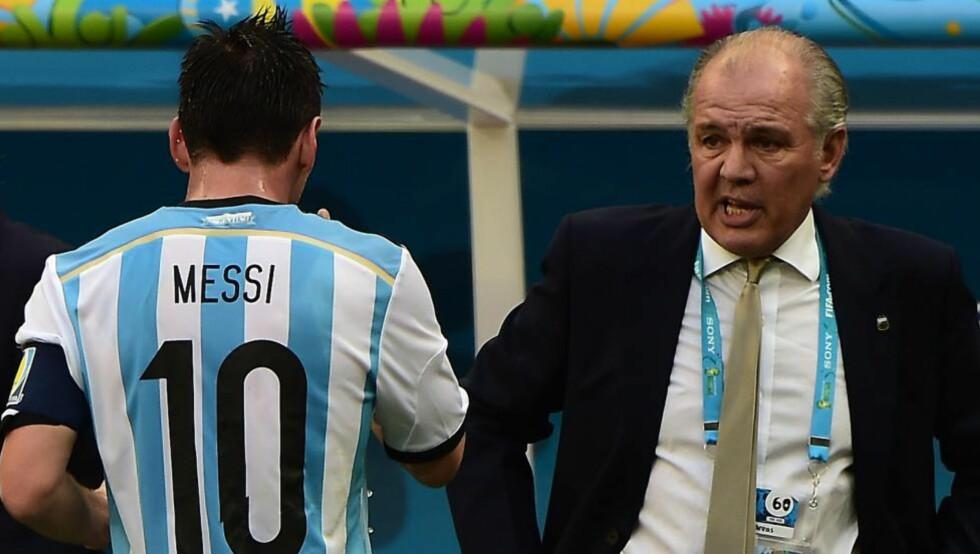 RAUS: Argentina-trener Alejandro Sabella synes det er trist at Neymar er ute av VM. Det er i hvert fall det han sier utad. Foto: AFP PHOTO / FRANCOIS XAVIER MARIT / NTB Scanpix