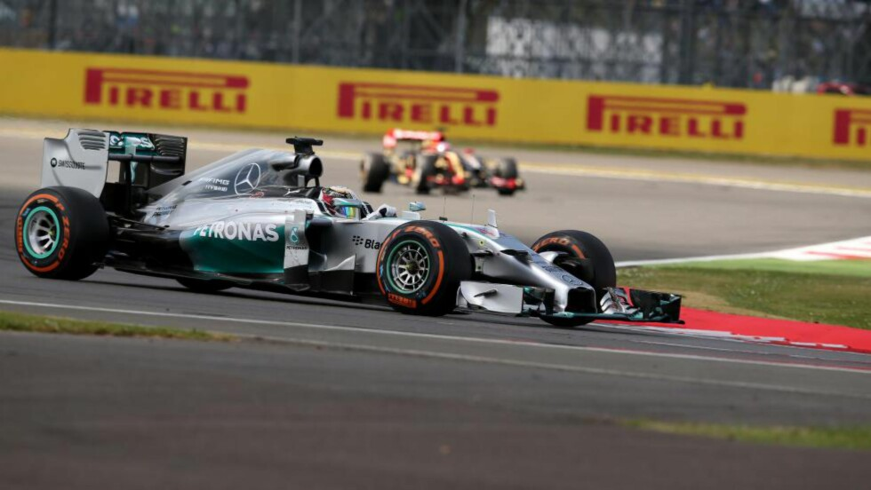 VANT:  Mercedes-sjåfør Lewis Hamilton. Foto: NTB Scanpix