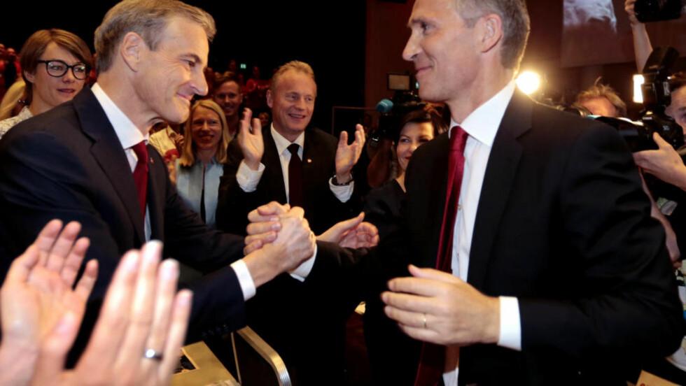 LEDERSKIFTE:  Jonas Gahr Støre ble valgt til ny leder i Arbeiderpartiet etter Jens Stoltenberg i Folkets Hus i Oslo 14. juni i år.  Foto: Lise Åserud, NTB Scanpix.