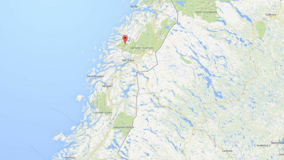 FALT: Svartisen ligger syd for Bodø og ved Saltfjellet. I natt ble en 17-åring hentet med Seeking-helikopter, bevisstløs, etter et fall. Skjermdump: Google maps