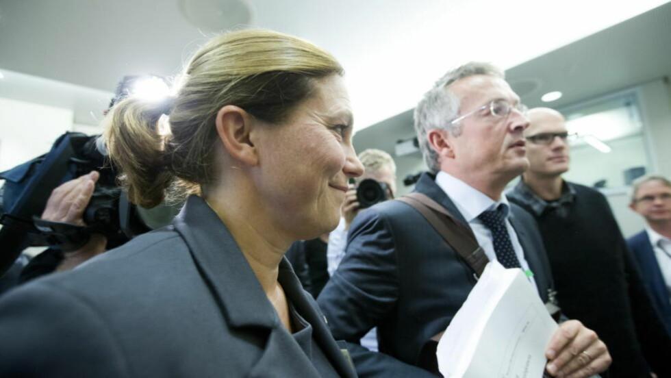 AVVISER POLITIFAGLIG KRITIKK:   Alexandra Bech Gjørv,  leder av 22. juli-kommisjonen holder åpningsinnlegg i høringen i Storngintes kontroll- og konstitusjonskomite  6. november 2012. Gjørv-kommisjonenes sekretariatsleder Bjørn Fredrik Sverdrup til høyre. Foto: Berit Roald, NTB Scanpix.