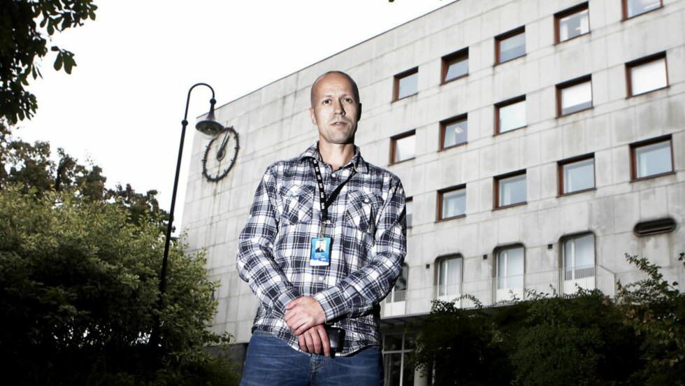 MISTER VETERAN: - Det er kjempetrist, og vi er lei oss av å miste Hans-Wilhelm, sier direktør for Nyhets- og programdivisjonen i NRK, Per Arne Kalbakk, til Dagbladet. Foto: ERLING HÆGELAND/Dagbladet
