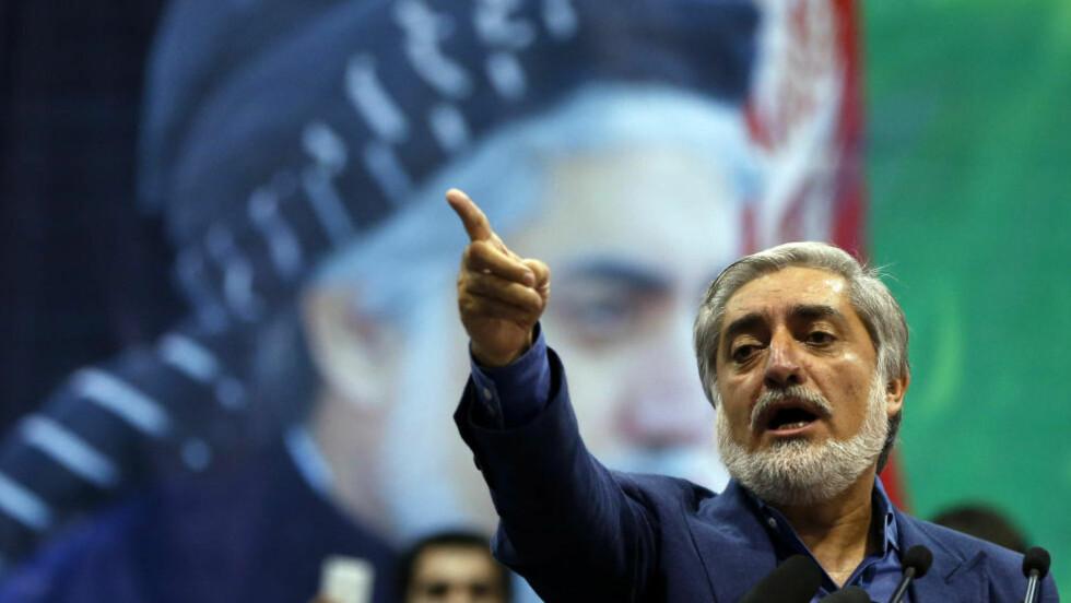 VIL KJEMPE: Abdullah Abdullah utropte seg til vinner av det afghanske presidentvalget idag. REUTERS/Omar Sobhani Scanpix