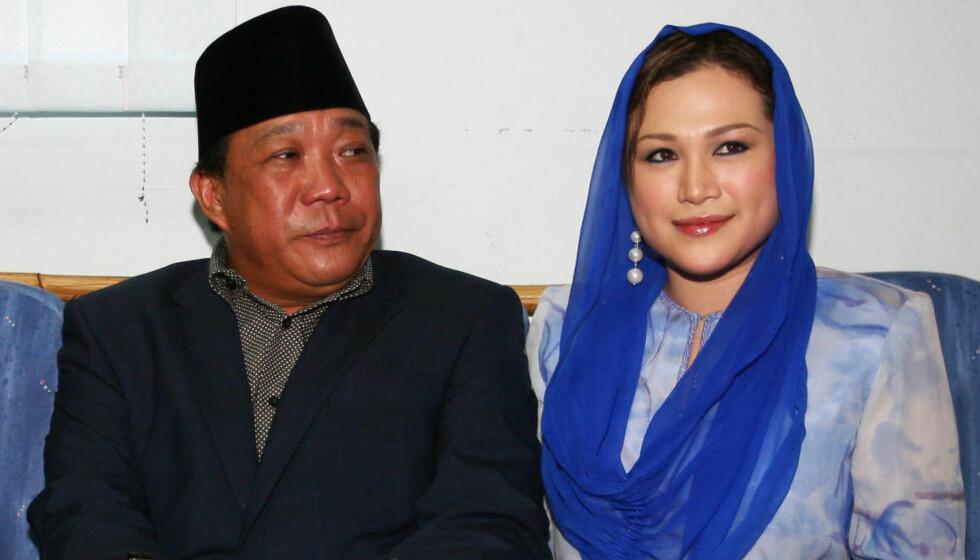 I HARDT VÆR:  Bung Mokhtar Radin og kona Zizie Ezette. Foto: NTB Scanpix