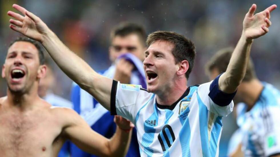 RIKTIG VALG:  Messi sa nei til Spania. Det er han glad for i dag. FOTO:  EPA/srdjan Suki.
