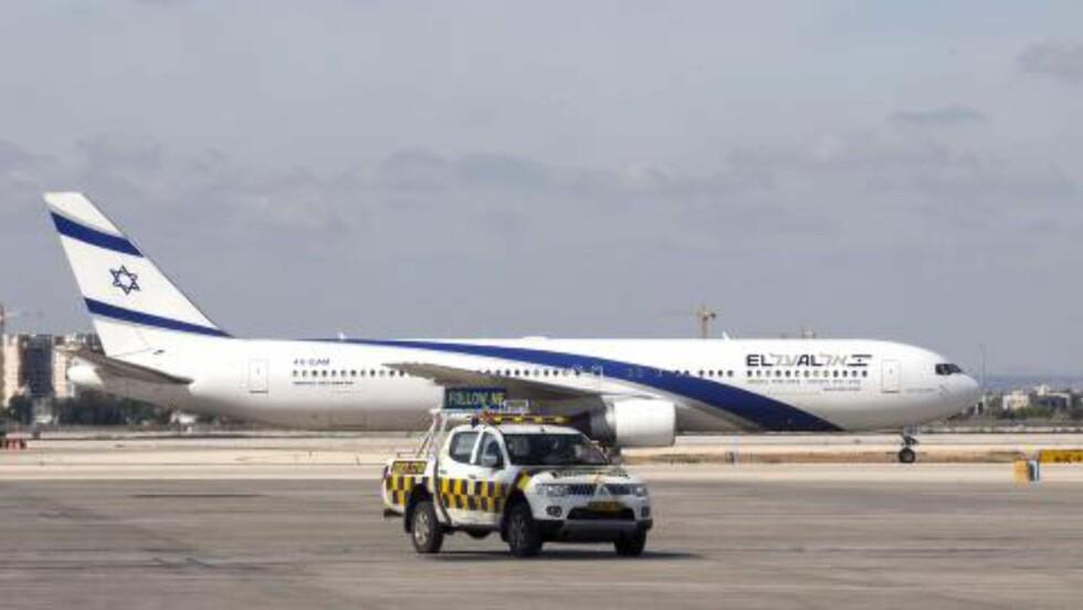 HAMAS' MÅL: Hamas skal ha skutt ned flere raketter mot Ben Gurion-flyplassen ved Tel Aviv.  AFP PHOTO / JACK GUEZ
