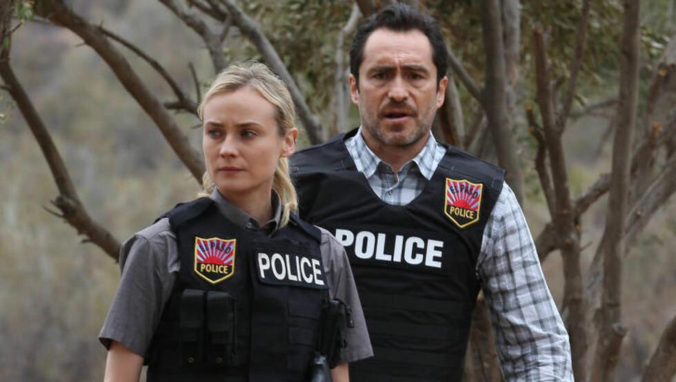 NYANSERT UTGAVE: I amerikanske «Broen» er det viktig for skuespilleren å passe på at Sonya ikke fremstår som en karikatur, og publikum skal kunne se en mer nyansert utgave av etterforskeren i andre sesong, som har premiere på Fox i dag. Foto: Fox