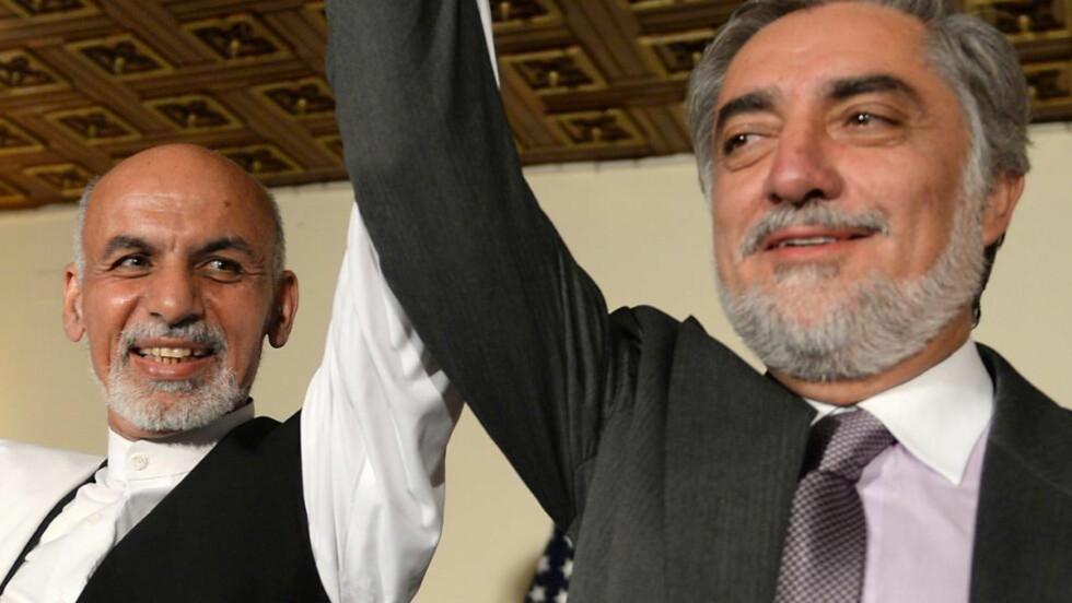 MENER BEGGE DE HAR VUNNET: Ashraf Ghani og Abdullah Abdullah mener begge de har gått av med valgseieren i Afghanistan, men nå skal FN granske det omstridte valgresultatet. Foto: AFP/SHAH MARAI/NTB SCANPIX