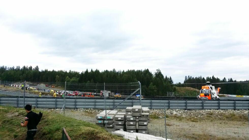 ULYKKE:  To biler var søndag formiddag involvert i en ulykke på Gatebil på Rudskogen. Foto: Vegard Lindmoen / Presse30.no