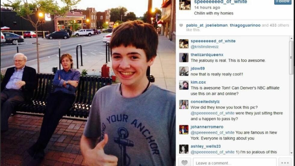 TOMMEL OPP. Det var en tydelig stolt Tom White (16) som knipset dette bildet i går. Foto: Tom White / Instagram