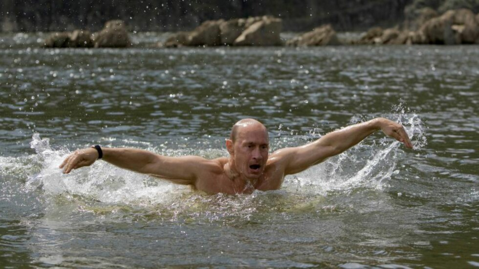 STRONGMAN: Russlands president Vladimir Putin viser muskler igjen. REUTERS/RIA Novosti/Pool/Alexei Druzhin Scanpix
