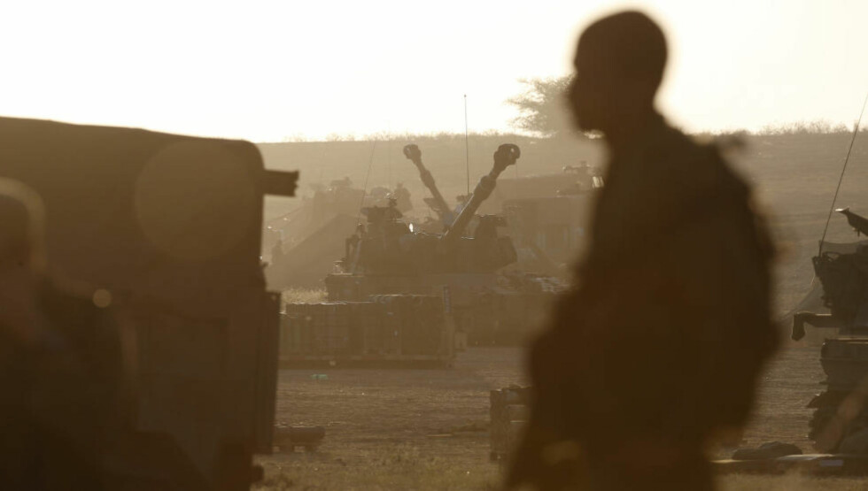 VÅPENHVILE: Tre granater traff torsdag formiddag Israel, ifølge Det israelske forsvaret (IDF). Den planlagte fem timer lange våpenhvilen mellom Hamas og Israel trådte i kraft torsdag klokka 10 lokal tid (klokka 9 norsk tid). Foto: Baz Ratner/ Reuters / NTB scanpix