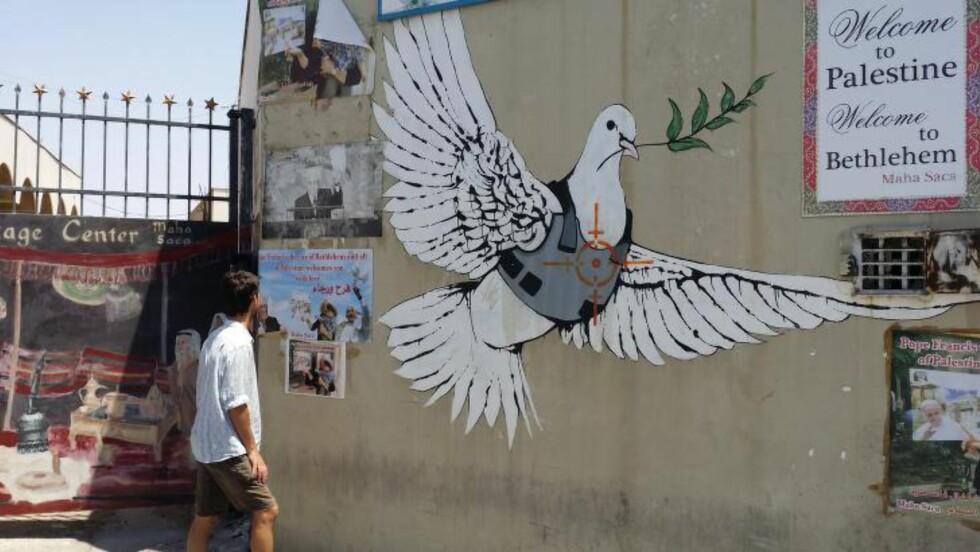 VAR I OMRÅDET: Her er Jørn Lein-Mathisen i Midtøsten. Den tidligere Israel-rådgiveren var i Israel like før konflikten igjen blomstret opp. Foto: Privat