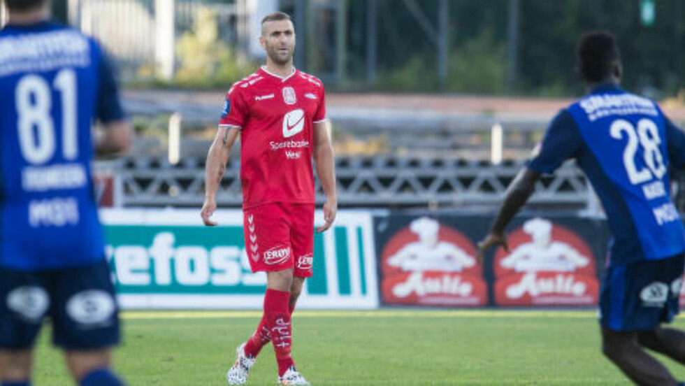 COMEBACK:  Azar Karadas fikk litt over en halvtime på banen i sitt Brann-comeback. Foto: Audun Braastad / NTB scanpix