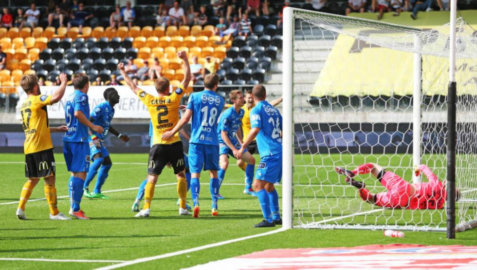START-JUBEL:  Start kunne juble for tre poeng mot Bodø/Glimt etter at han avgjorde kampen på overtid. Foto: Trond Reidar Teigen / NTB scanpix