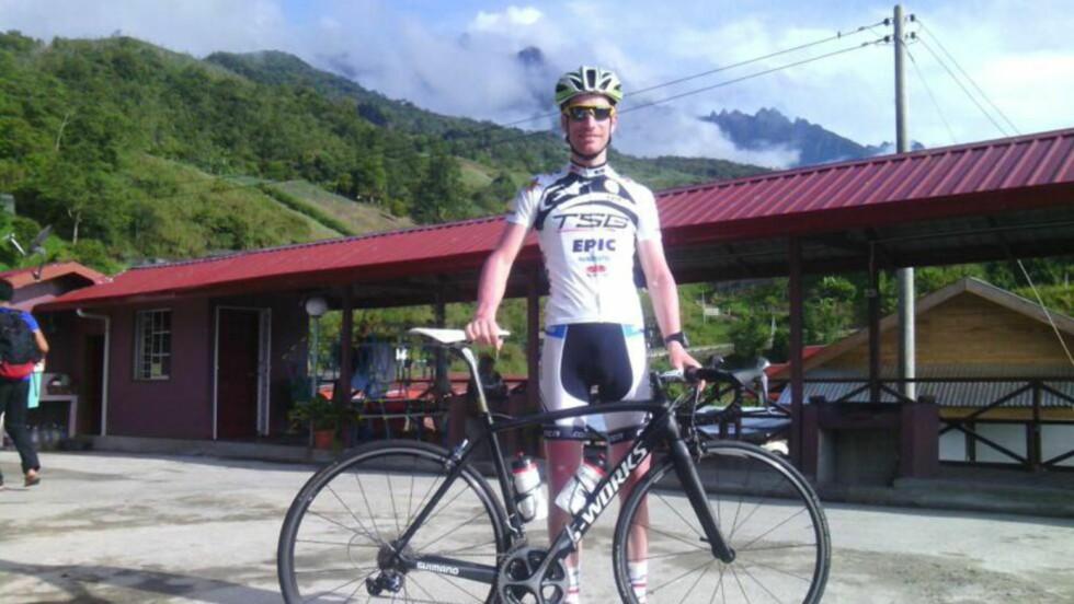 LURTE DØDEN: Syklisten Maarten de Jonge skulle egentlig ha vært passasjer på begge flyene fra Malaysia Airlines som har krasjet i løpet av det siste halvåret. Foto: www.martendejonge.com