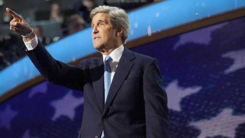 I BARET: USAs utenriksminister John Kerry hadde ingen anelse om at han snakket for åpen mikrofon da han diskuterte Gaza-situasjonen med sin rådgiver på telefon. Foto: Johannes Worsøe Berg