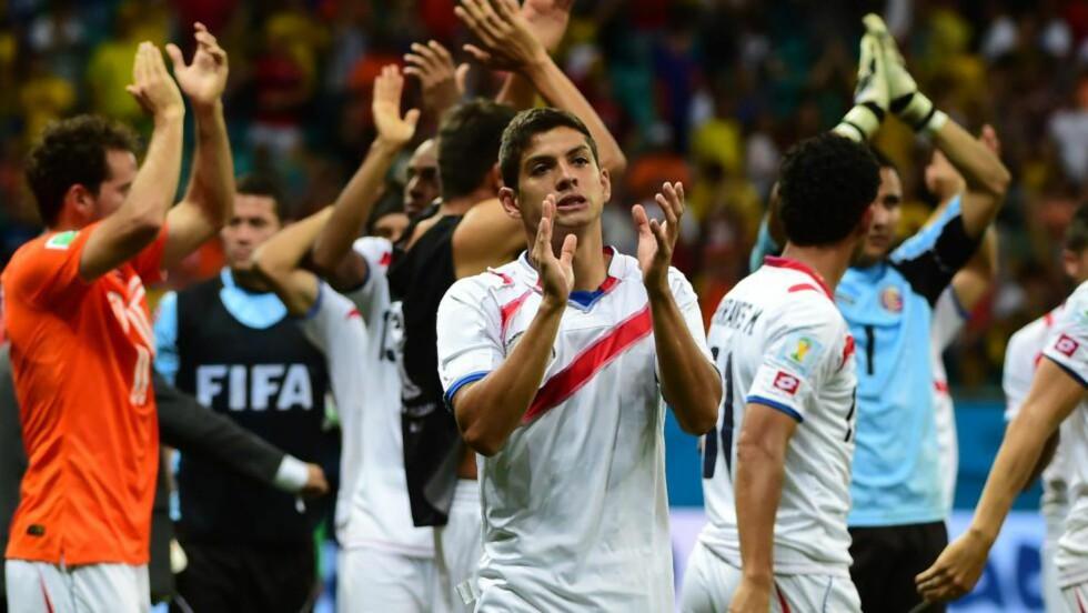 ETTERTRAKTET: Cristian Gamboa skal være på vei bort fra RBK og til engelsk fotball. Foto: AFP PHOTO / RONALDO SCHEMIDT
